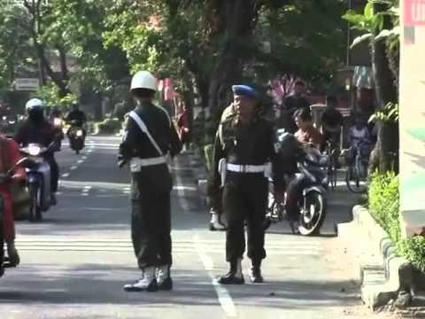RAZIA POLISI MILITER DENPOM SURAKARTA RAZIA ATRIBUT TNI