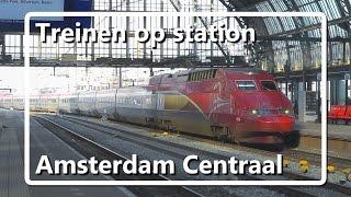 Treinen op station Amsterdam Centraal (13-02-2015)