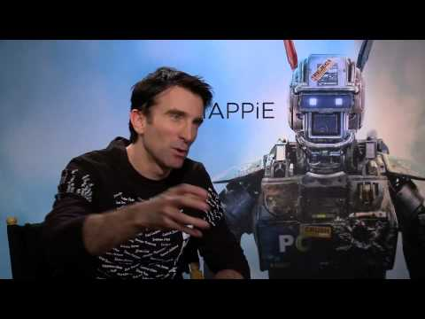 Sharlto Copley really beat up Wolverine in 'Chappie'
