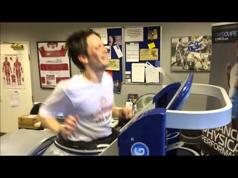 Steve runs a marathon on the AlterG Anti Gravity Treadmill at Physiquipe