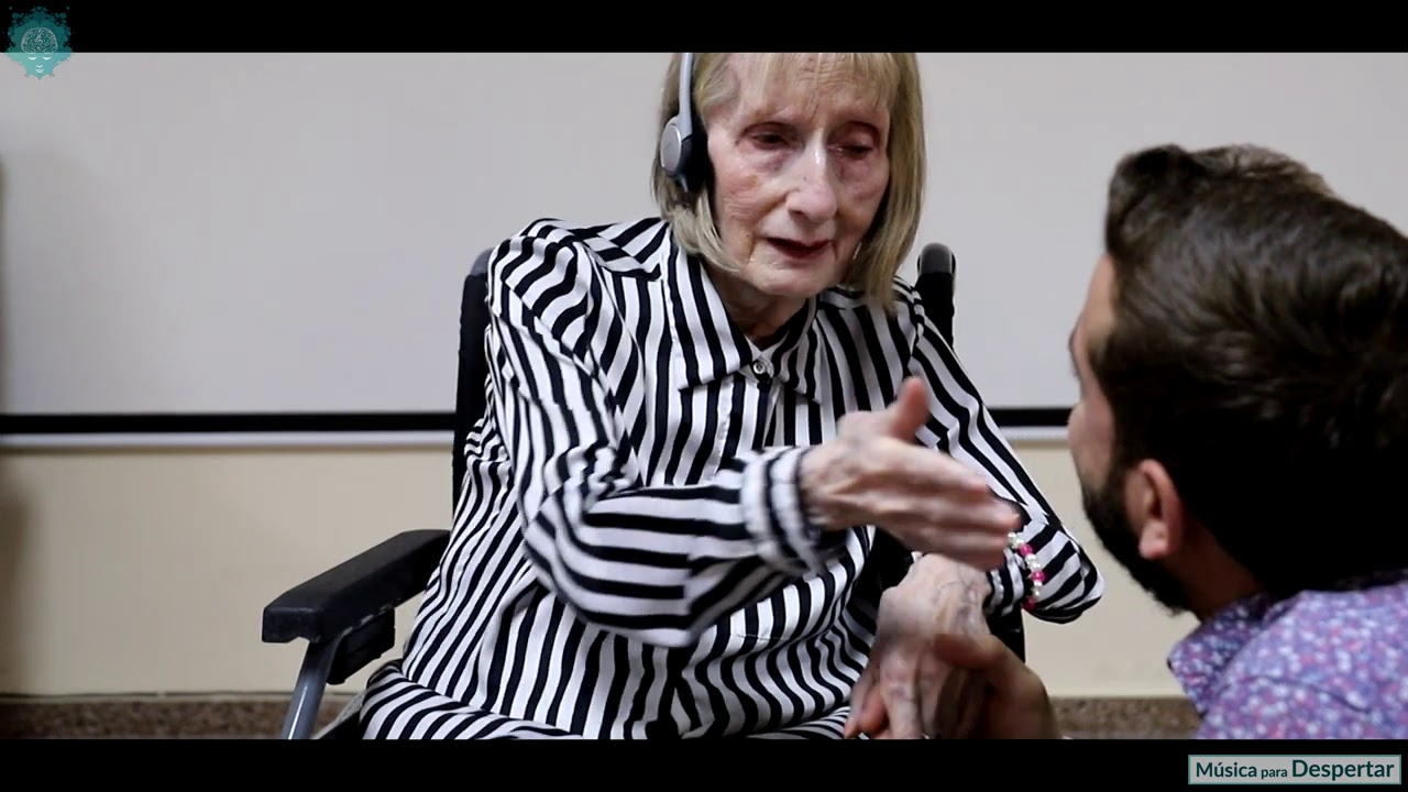 Amazing moment former ballerina with dementia remembers routine to Swan Lake: posted by Yahoo.UK