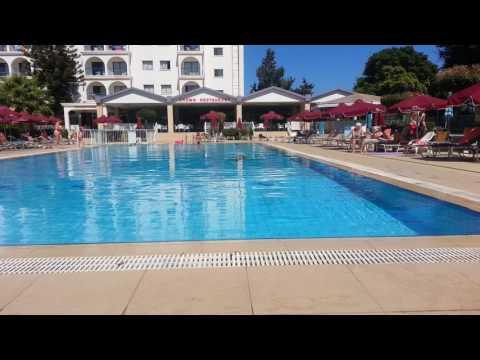 Бассейн Crown Resorts Elamaris