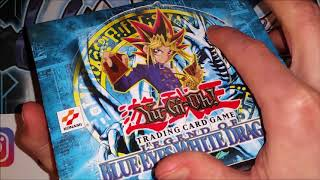 3 Ways To Tell DIFFERENCE Between REAL FAKE 1st Edition Legend Blue Eyes Booster Box 2018 Yu-Gi-Oh!