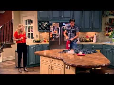when did melissa and joey start dating