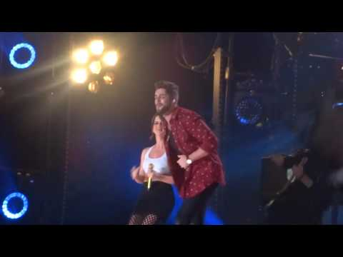 Thomas Rhett and Maren Morris sing