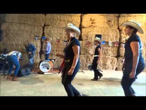 Démo  des Fire Boots Country Dance Suisse