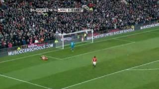 Manchester United 0  - 1 Leeds United 03/01/2010 Beckford Scores
