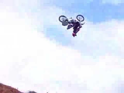 Video - Moto - Fatal Motocross Crash - Guy Tries To Do Backf