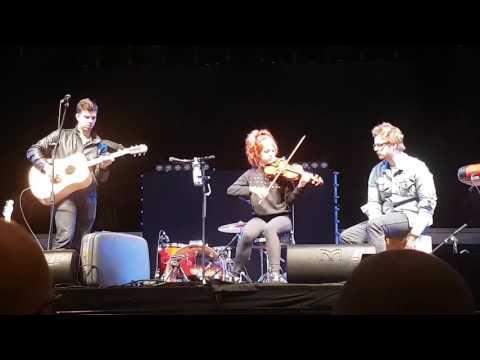 Lindsey Stirling - Hallelujah acoustics [LIVE] in Oberhausen