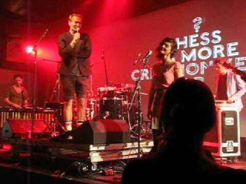 Yes Boss - Hess is More feat. Érica live @ Nova Festival (São Paulo) 05/30/2012