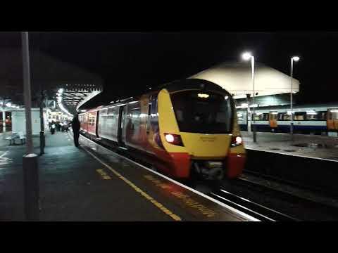 Trains at: Clapham Junction, 16/12/17