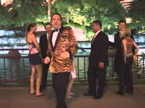 "Richard Cheese ""Gin And Juice"" (2004)"