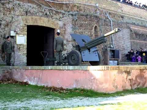 Roma Cannone Del Gianicolo Sparo A Salve Alle Ore 12 00 Del 27 Dicembre 2011
