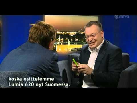 CEO Nokia ném iPhone của phóng viên khi phỏng vấn