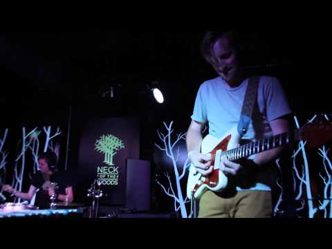 """B-Sides On-Air: Knox Hamilton Perform """"Work It Out"""" (Live)"""