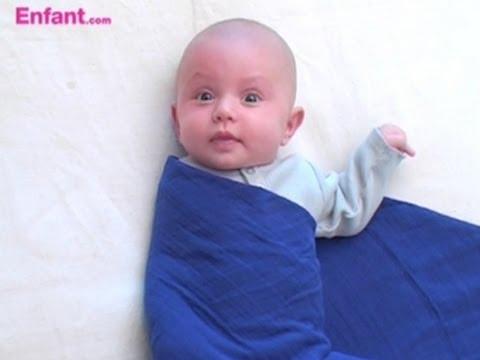 couverture d emmaillotage pour bébé Emmailloter bébé | Astuces de parents   YouTube couverture d emmaillotage pour bébé