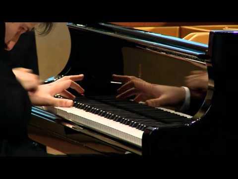 Shostakovich - Sonata no. 1, op. 12 - Stanislav Khristenko