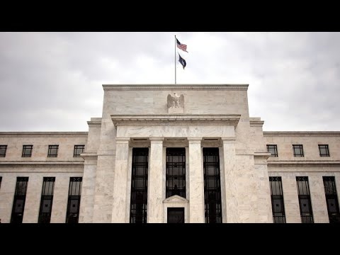 Fed Doesn't Know How to End Asset Purchases: Economist Swonk