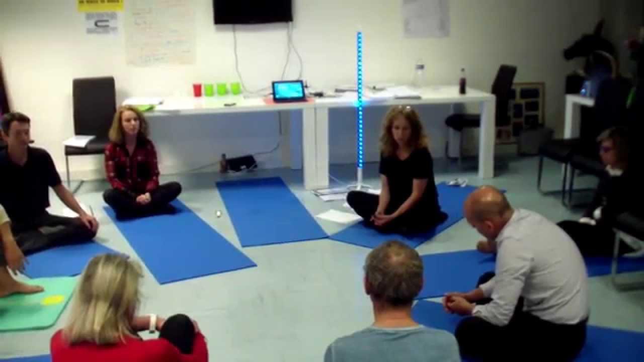 MBSR Bordeaux exercice de concentration sur le souffle (3 minutes) - YouTube