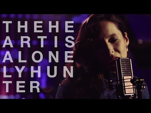 Nerina Pallot - The Heart Is A Lonely Hunter (Official Music Video)