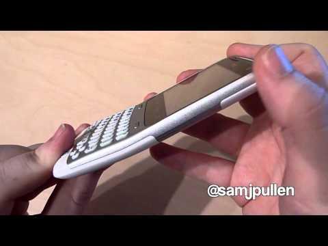 HTC ChaCha Hardware
