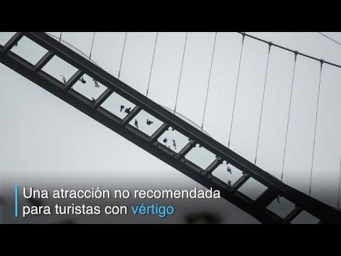 El puente con piso de vidrio más alto del mundo
