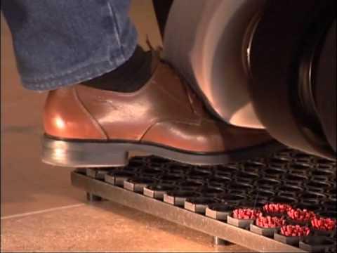 heute shoe shine machine