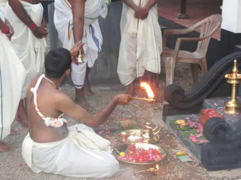 sree vishnumaya kuttichathan seva mantrikam temple karanayil devasthanam
