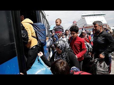 Greece seeks to clear migrants from Piraeus port as tourist season nears