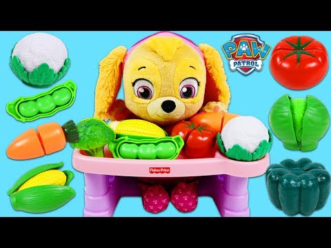 PAW PATROL Feeding Baby Skye Toy Velcro Cutting Fruits and Vegetables!