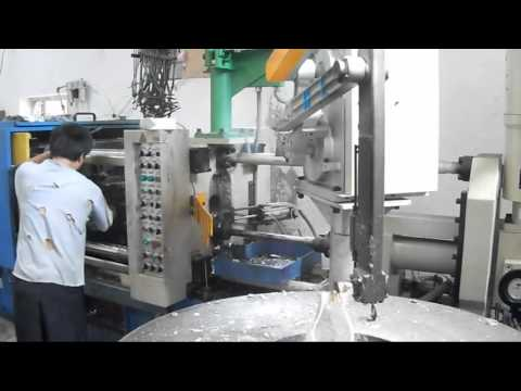 Working Process of 180T Cold Chamber Die Casting Machine With Automatic Feeding