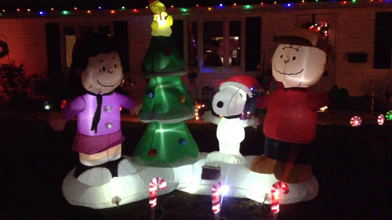 gemmy peanuts gang lightshow inflatable