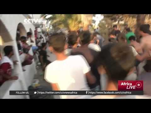 Greece: Stranded migrants fight for survival