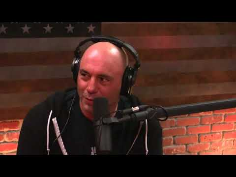 Joe Rogan Watches New UFO Video