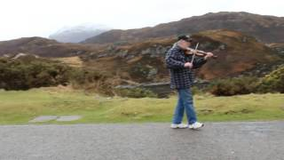The Travelling Fiddle in Scotland - 001 - Thistleof Scotland (take2)