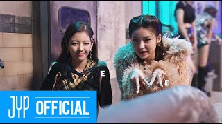 "Gambar cover ITZY ""WANNABE"" M/V BEHIND #1"