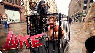Nackt im Käfig! Lordi hält Luke an der kurzen Leine | Big in Finnland