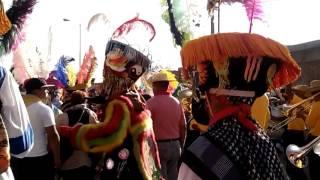 Chinelos de Santa Rosa Xochiac brincando en toluca 2015