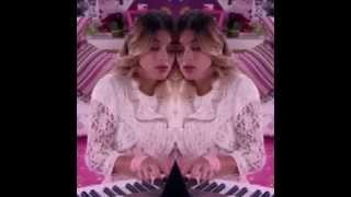 Виолетта - зеркальное отражение