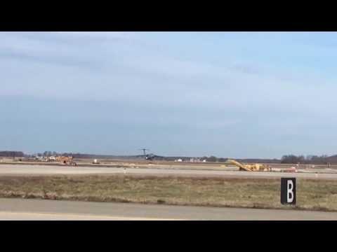 C5 Galaxy takeoff. Tf39 engines. Last C5B takeoff