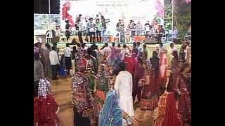 Gujarati Garba Song Navratri Live 2011 - Lions Club Kalol - Vikram Thakor - Mamta Soni Day-10 Part-1