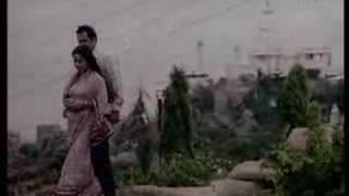 Ae Mere Hum Kadam - Rakhee, Parikshit Sahani & Dina Pathak - Humkadam