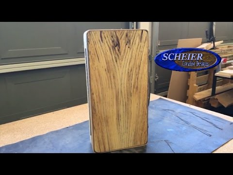 Wooden tool box, lunchbox, briefcase. With box joints / Woodworking