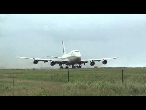 Décollage Boeing 747-400 Air France de St Denis de la Réunion (FMEE/RUN)