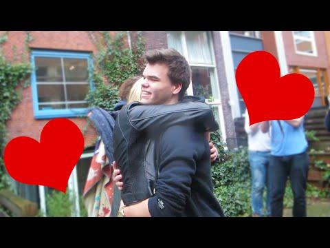 girlfriend-surprise-smackcam-prank!
