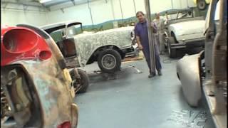 vuclip Conheça um verdadeiro restaurador de carros antigos, na lata.