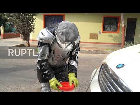 "Lima street performer ""Robotin"" becomes ""fumigator"" amid coronavirus pandemic"