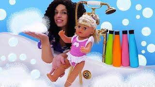 Пенная ванна для БЕБИ БОН! Принцессы ДИСНЕЙ в смешном видео куклы. Игры одевалки с Baby Born