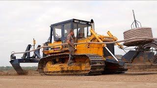 Laying field drainage | Komatsu D65P V-plow Bulldozer | Gebr. Emonds drainage system
