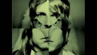 Watch Kings Of Leon Be Somebody video
